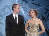 Alyson Hannigan aux côtés de Neil Patrick Harris sur la scène des Emmy Awards