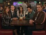 Les acteurs de HIMYM autour de leur table